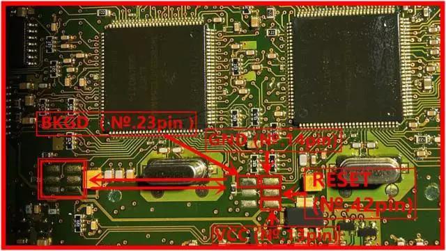 Lonsdor K518ISE programs Volvo S40 key and remote key (3)
