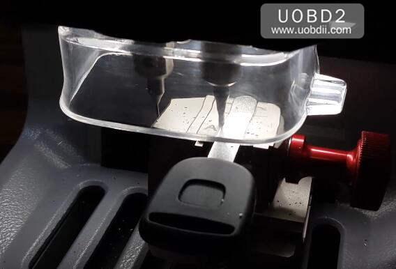 How to Use Xhorse Condor Dolphin Cut Honda HON66 Key (9)