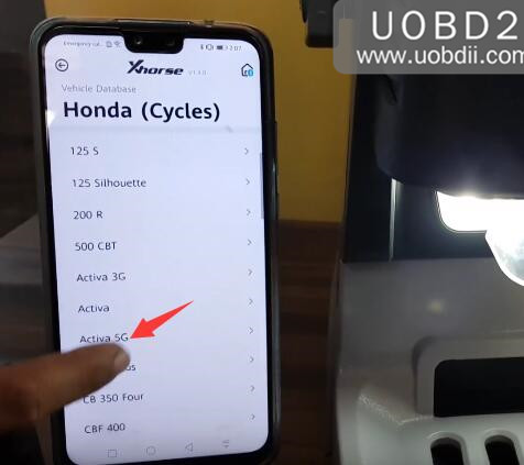 Xhorse Condor Dolphin Test on Honda Activa 5G Key Cutting (3)