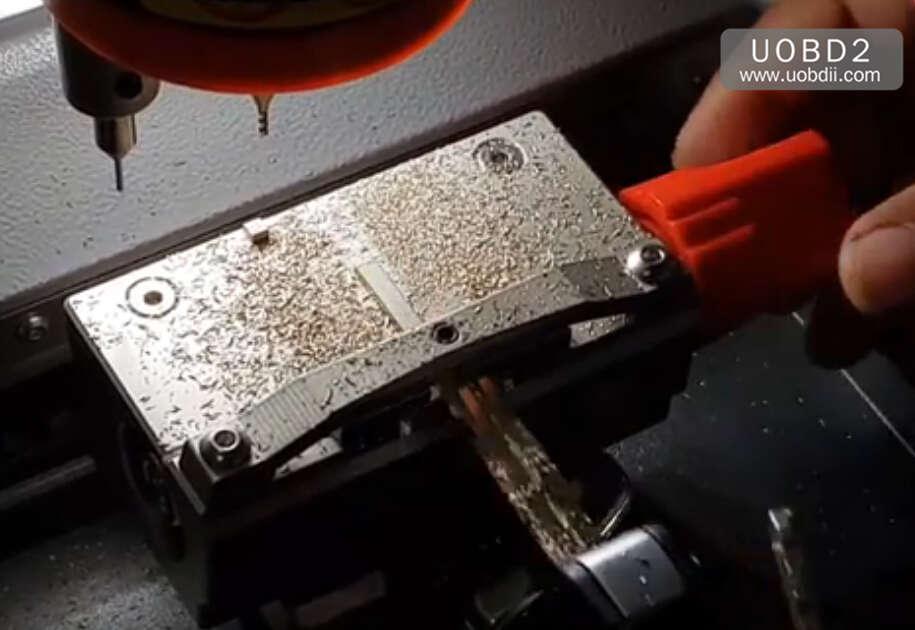 How to Use Codor Mini Plus Cut Keys for Huyndai ix35 Grand (19)