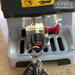 Xhorse Doliphin Duplicate Honda Key in 5 Minutes (2)