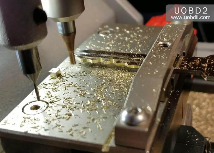 How to Use Xhorse XC-Mini Cut Key for GMC B102 Key (9)