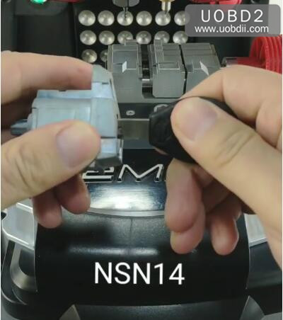 How-to-Use-2M2-Tank-Magic-Machine-Cut-NSN14-Key-1