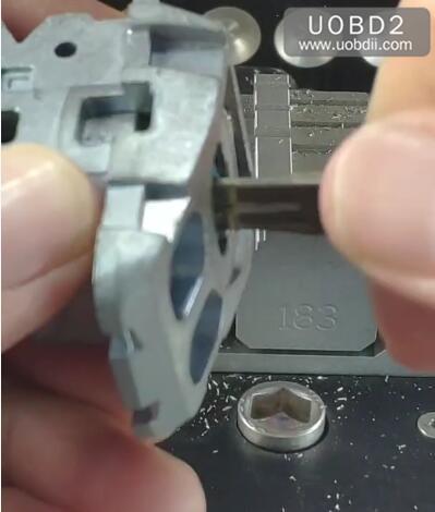 How-to-Use-2M2-Tank-Magic-Machine-Cut-NSN14-Key-11